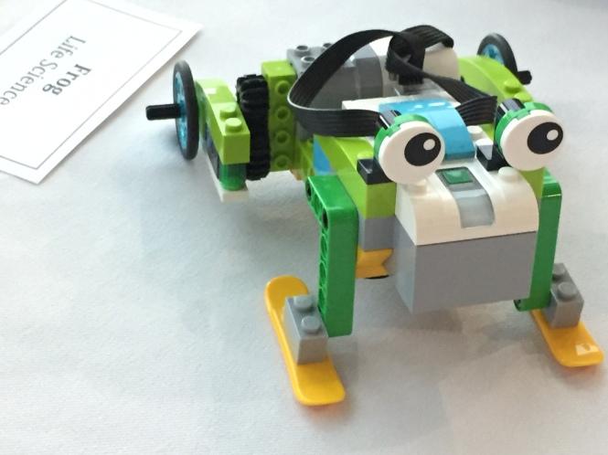 Fun with Lego WeDo 2.0 Robotics – Bev Babbage